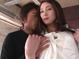 Mei Naomi gets seduced into having an intense...